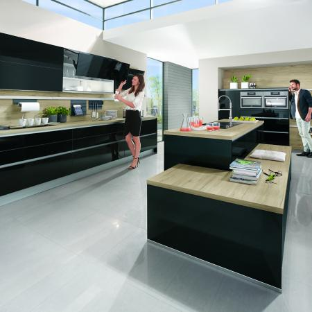 Nobilia Focus Lacquer and Wood Reproduction Modern Kitchen